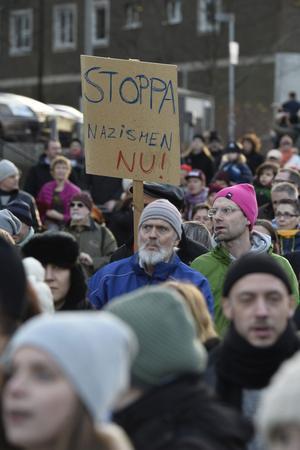 Mellan 15 000 och 20 000 människor demonstrerade mot rasismen i Kärrtorp i söndags.
