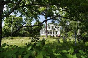 Villa Solbacken, en av de välbevarade villor som måste rivas om Logistikparken ska byggas i Petersvik.