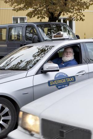 galet lagförslag. Att förvandla vanliga anställda i transportnäringen till id-kontrollanter är ett fullständigt galet lagförslag, anser taxichauffören Eric Thorsell. Foto: arkiv