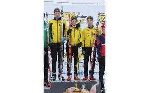 Stora Tuna vann stafetten i H15-16. Från vänster. Jonas Eriksson, Henning Sjökvist och Jesper Svensk.