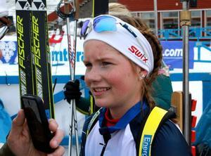 Sofia Myhr, 18-åriga talangen från Hede, följde upp fredagens seger med en andraplats i jaktstarten.