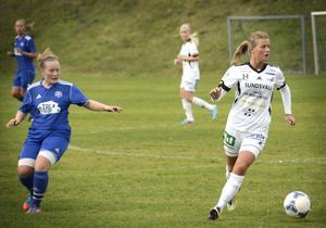 Malin Svelander var planens bästa spelare när SDFF II slog Heffners med 5–0.