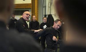 Sveneric Bogsäter visar grepp för hela gruppen.