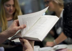 Vintern och våren lockar med en hel del nya böcker, av bland andra Carsten Jensen, Majgull Axelsson och Susan Faludi.