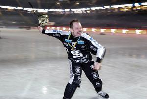 Magnus Muhrén har fem SM-guld, har gjort 700 elitseriemål för SAIK och har blivit utsedd til årets man i svensk bandy fyra gånger.
