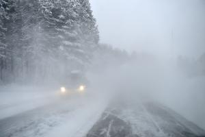 I stora delar av Sverige råder det vinterväglag just nu.