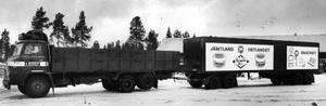 Den första stora frystransportbilen med banor för hängande last började rulla 1963. Med den kördes djurkroppar från slakteriet i Östersund till Stockholm. Tillbaka fraktades styckat kött till Gomans chark.