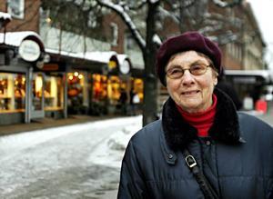 Margareta Hindrika, 77 år, Storvik– Jag tycker att utbudet är helt okej. Jag handlar mest i Storvik, men åker till Sandviken två till tre gånger i månaden, bland annat för att handla kläder.