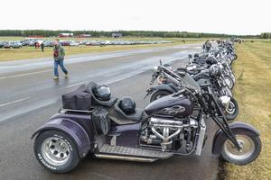 Det kom långt många fler motorcyklister till motormarknaden än tre som körde uppåt väggarna.