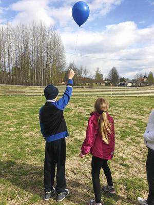 Sorgestödsgruppen i Falun har haft sin våravslutning och skickade till ballonger mot himlen som en del av sorgearbetet.