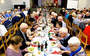 Så här fullsatt och festligt var det i Insjöns Teater under PRO:s 50-årsfirande.