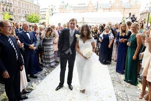 Emil Forsberg och Shanga Hussain gifte sig i Stadshuset i Sundsvall.