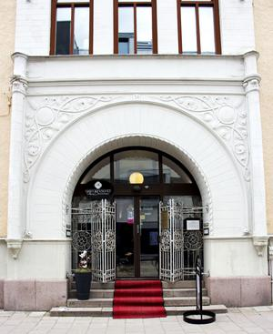 Riksbankens entré mot Drottninggatan.
