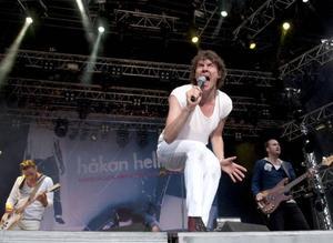 Flest festivalbesökare sökte sig till Håkan Hellströms konsert under lördagkvällen. Han spelade hela sin första skiva