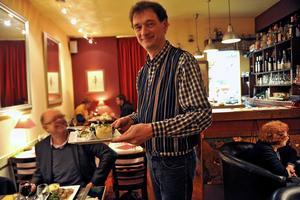 Den lilla bistron Etamine Café är ett svårslaget fynd i Marais-kvarteren. Sympatiska Phillippe och Sylvain gör prisvärd vardagsmat med finess.