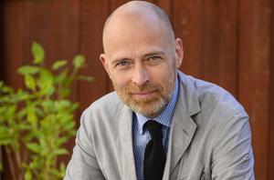Knut Kainz Rognerud, granskande ekonomijournalist  och författare.