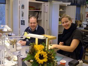 Läraren Leif Halldorf och förstaårseleven Cecilia Bladh kan konstatera att deltagandet vod bokmässan blev en succe.