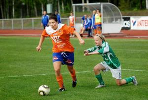 Sabrina Tikkanen, tillbaka efter skada, gjorde Bollnäs enda mål (och sitt sjätte i serien) på Sävstaås.