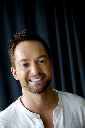 Andreas Carlsson i Idoljuryn är en framgångsrik låtskrivare. Mest stolt är han över