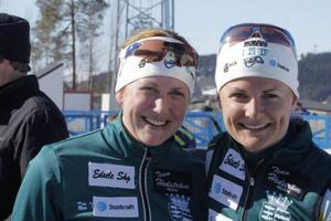 Jenny Jonsson, till höger, tog hem SM-guldet i skidskyttet samtidigt som syrran Helena Ekholm gjorde comeback. Helena var nöjd med sin fjärdeplats.