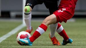 En flicka i ett ungdomslag i fotboll i Fagersta blev knuffad av en motståndarledare.