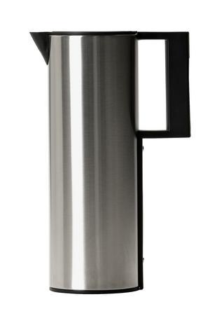 Budget. Termoskannan TV i aluminium kommer från Mio. Höjd: 30 centimeter. Pris: 199 kronor. Foto: Mio
