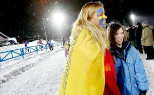 Emily Didon, till vänster, tycker att det ser ljust ut för de svenska skidskyttarna inför premiärtävlingarna. Kompisen Alexandra Lindstein, håller med. Och det blir nog fler besök på tävlingarna för deras del.