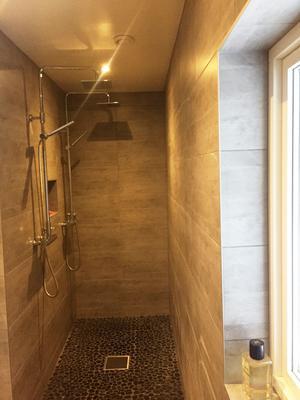 Här kan två duscha samtidigt.