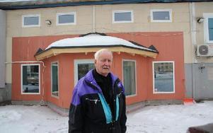 """Bert """"Målle"""" Åberg gillar att hans gamla arbetsplats levt upp igen. Det blev en rundtur bland de nya hyresgästerna."""