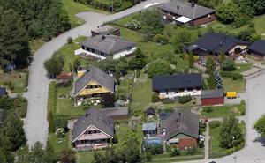 Flygbild på bostäder i Dingtuna.