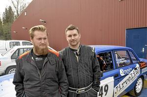 Kartläsare för en dag fick Andreas Wall till höger i 40-årspresent att åka med Joakim Jansson. Superkul tycker Andreas.