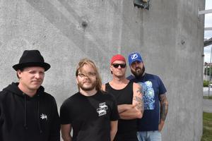 Från vänster: Robert Pettersson, sång, Kristoffer Söderström, trummor, Mattias Larsson, gitarr, Tomas Wallin, gitarr.
