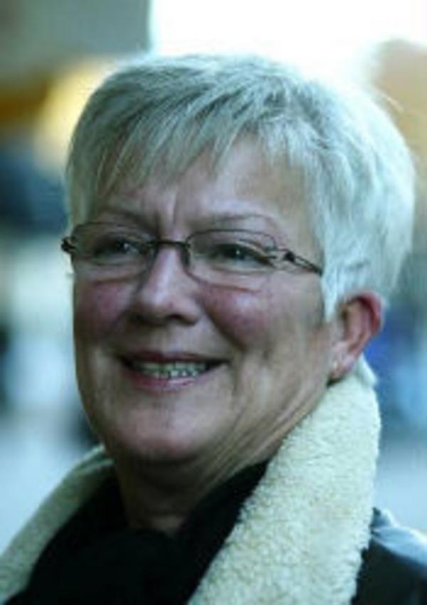 Eva Ström, 56 år, personlig assistent, Halmstad.– Handikappades situation. Svårigheterna för dem att ta sig fram med permobil till exempel.