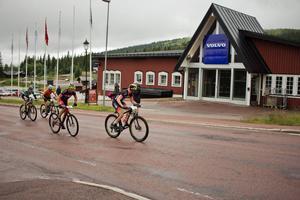 Cyklisterna passerade Sälfjällstorget