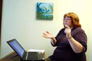 Helena Andrén Niemi tror inte att hon är ensam om att bli utsatt för databranschens fasoner.