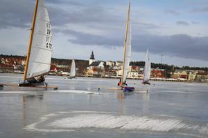 I veckan blir Orsasjön arena för seglartävlingar på is. Bilden är från EM i isjakt som gick i Hudiksvall 2016.
