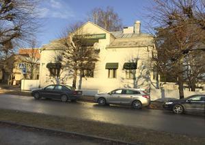 En gång i tiden var det en av de finaste villorna i Ludvika centrum, men vi vinter får