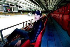 Mattias Ekholm, 19 år gammal, inför sin andra säsong med Mora IK i Hockeyallsvenskan.