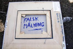 Ägaren kan få tillbaka sin falska tavla med borttagen signatur och falskstämpel.