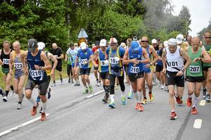 Perfekt väder. De 53 deltagarna hade perfekta förhållanden under de 42 kilometrarna, med molnigt och varmt väder.