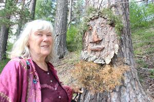 - Green man dyker just nu upp på många platser som tecken på att människan måste komma tillbaks till naturen, säger konstnären Marianne Ling.
