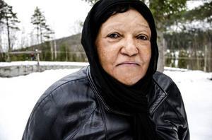 Maria Ayera, Bispgårdsbo med ursprung från Kongo, avstod att själv åka. I stället såg hon sina barn och barnbarn susa förbi i snön.
