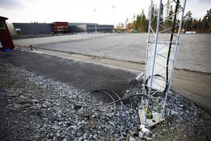 Så här ser det ut på nya bandyovalen i Östersund just nu. Det förberedande arbetet har inte gått så fort som planerat och nu tvingas ÖBS skjuta upp planerade aktiviteter i oktober.