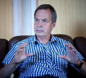 Rovdjursdebattören och företagsägaren Karl Hedin är fortsatt misstänkt för brott.