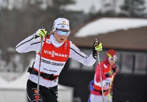 Stina Nilsson i träning på Lugnet inför torsdagens sprinttävlingar.