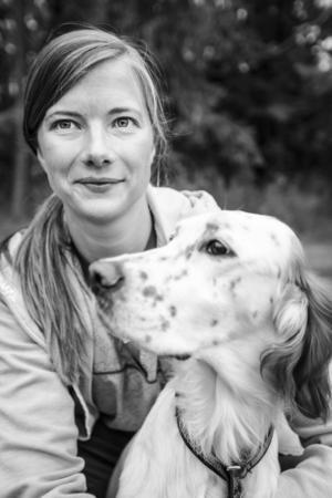 Åsa Vilson jobbar som veterinär på Östersunds Djursjukhus. Här med engelsk settertiken Skedoms Mackmyra.