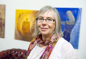 Mona Lindström höll på måndagen vernissage i Galleri Gustaf. Utställningen pågår fram till den tredje mars.
