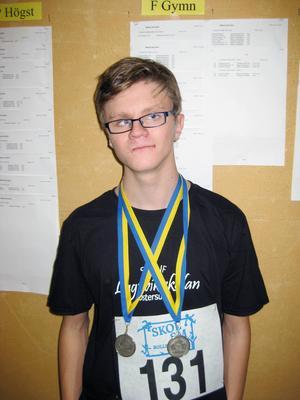 Tim Andersson, Lugnviksskolan, åkte på skol-SM i Bollnäs och deltog i två grenar. Han kom hem med silver i båda.