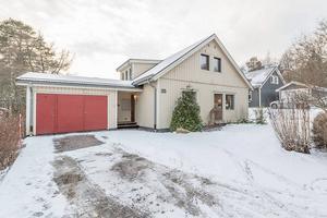 Huset på Noragatan såldes för 3 076 000 kronor.