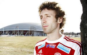 Andrew Stadler i Sandvikens tröja. Han anslöt till laget efter att ha börjat sin Sverigekarriär i Färila IF.